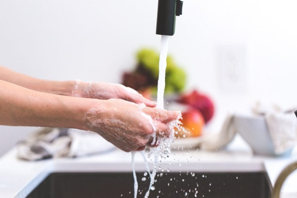commercial-kitchen-cleaning-products-and-tips