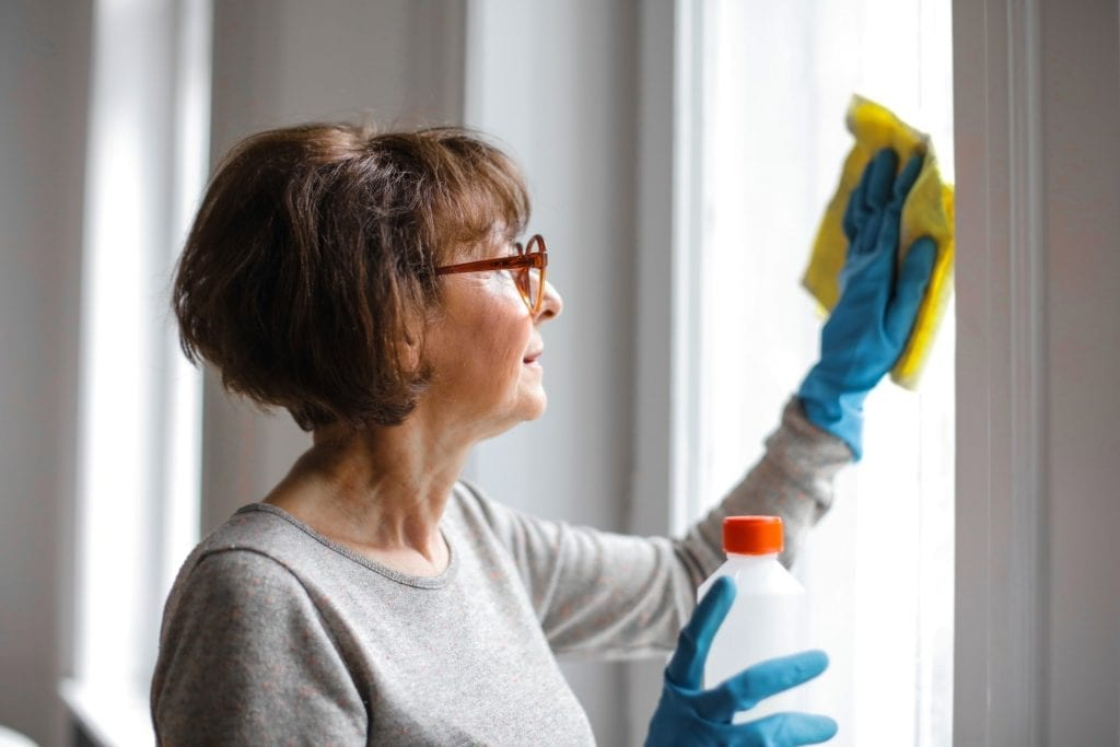 Preparing-your-holiday-cottages-for-guests-Deep-Cleaning